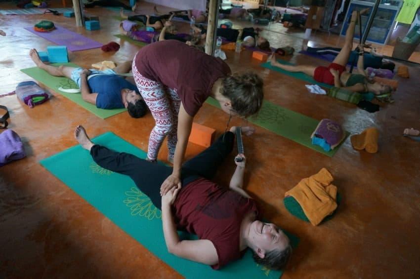 Zajęcia jogi dla uczestników Kursu Nauczycielskiego Jogi (200h), Tajlandia, Krabi, Ao Nang, Marina Yoga and Reiki, Paź 2015