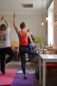Bezpłatne zajęcia baby yoga na Pradze @ Paca 40 | Warszawa | mazowieckie | Polska