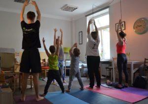 Bezpłatne zajęcia - joga rodzinna na Pradze @ Paca 40 | Warszawa | mazowieckie | Polska