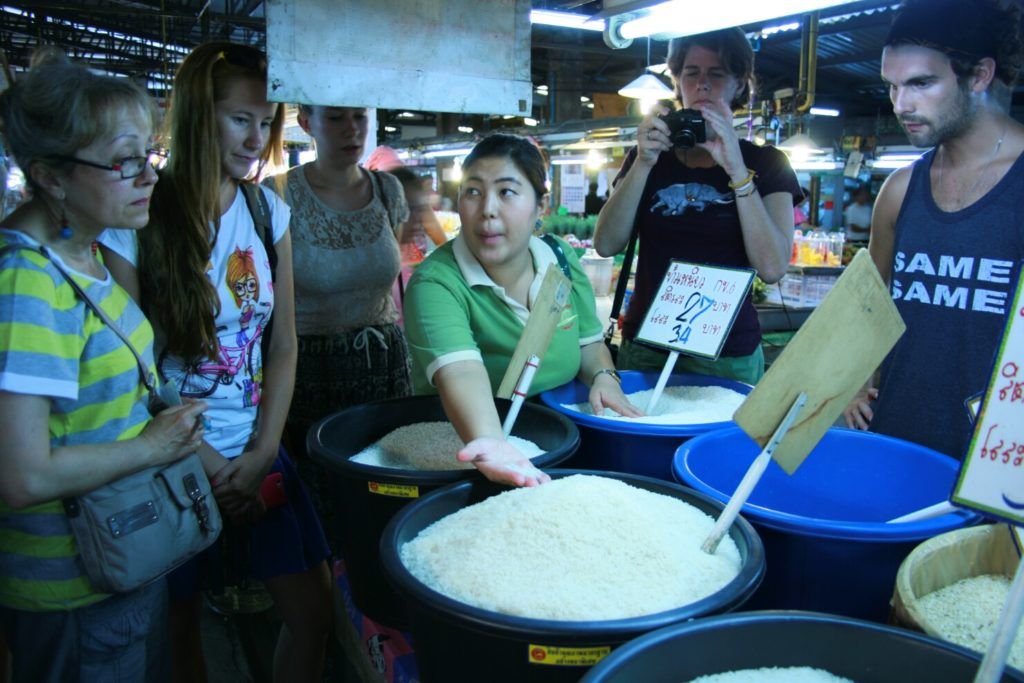 Tak wygląda kurs gotowania w Tajlandii - market