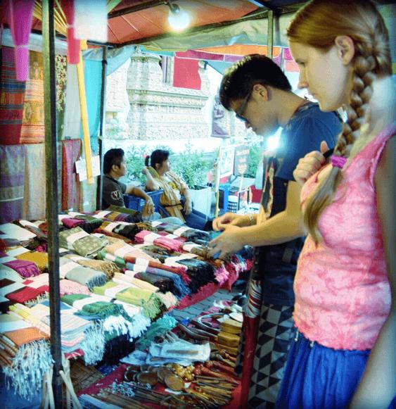Jakie pamiątki z Tajlandii - tajski jedwab